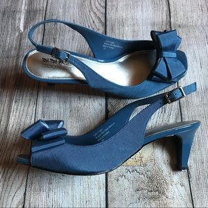 Coach and Four Blue Bow slingback kitten heels 8.5